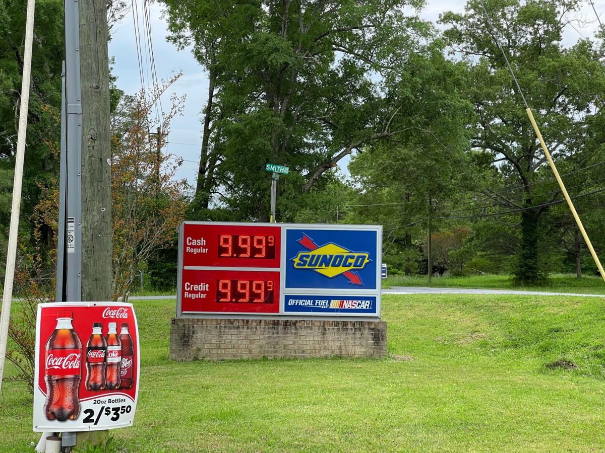Local gas stations out of fuel after Colonial Pipeline's cyberattack, shut down