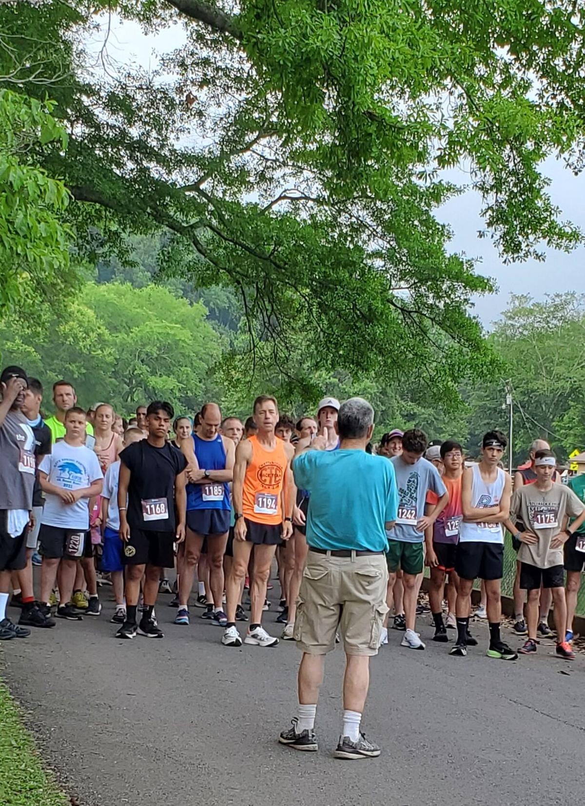 Cave Spring Road Race Start 2021
