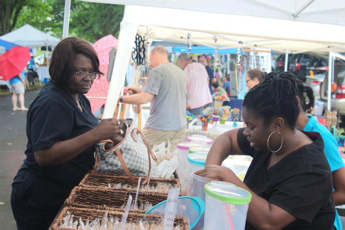 Despite rain Summer Market carried on
