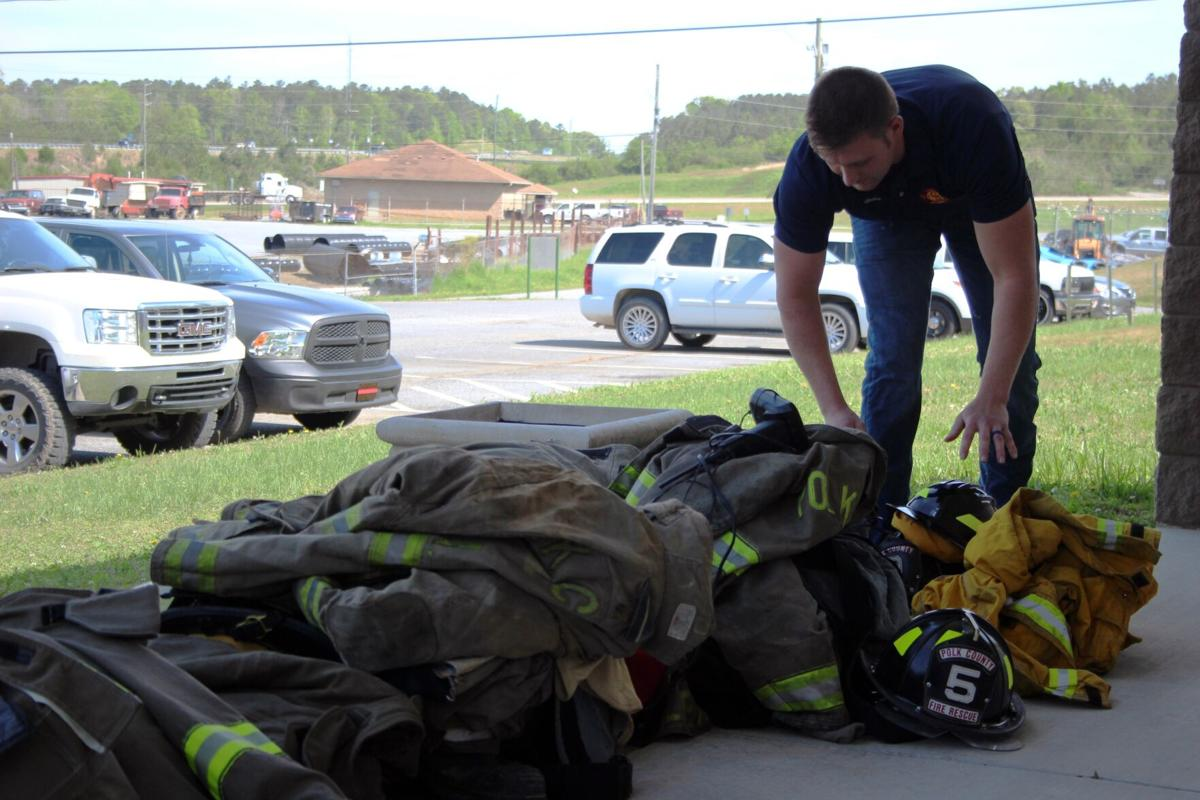 Firefighters quit in response to chief's dismissal