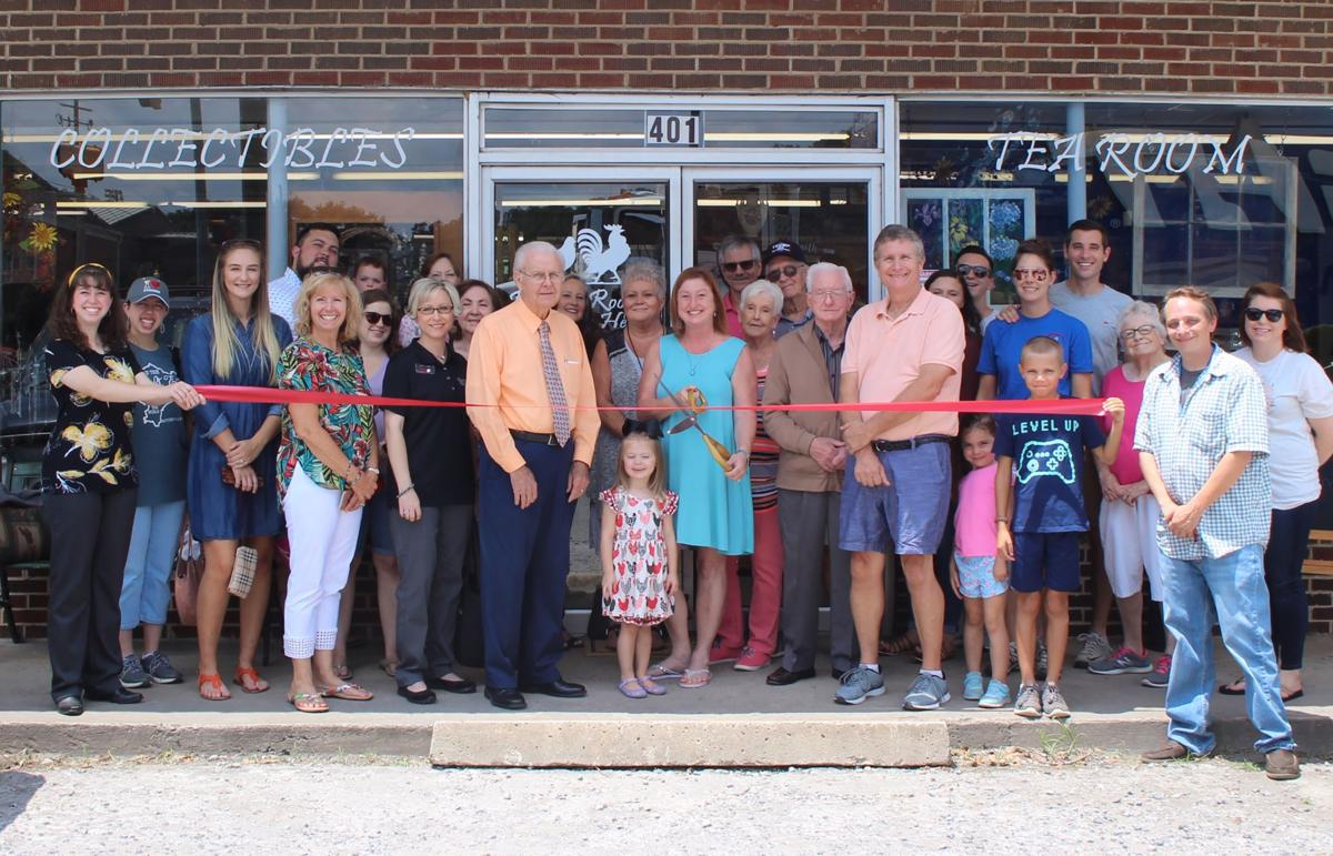 Rockin Rooster and Happy Hen Ribbon Cutting