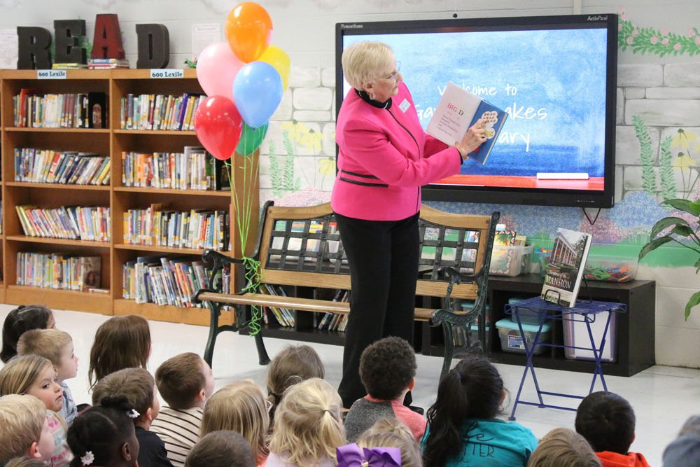 First Lady of Georgia visits Garden Lakes Elementary