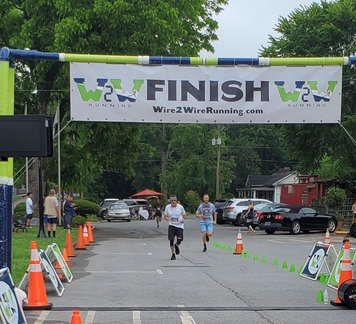 Cave Spring Road Race finish