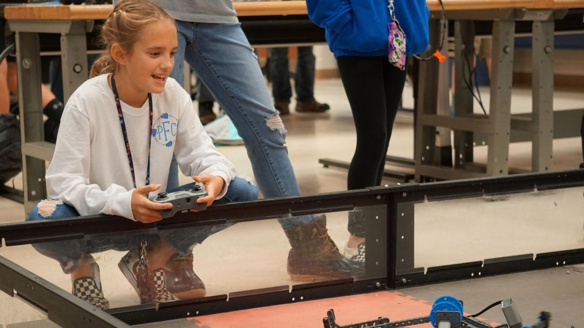 Floyd County middle schoolers compete in robotics