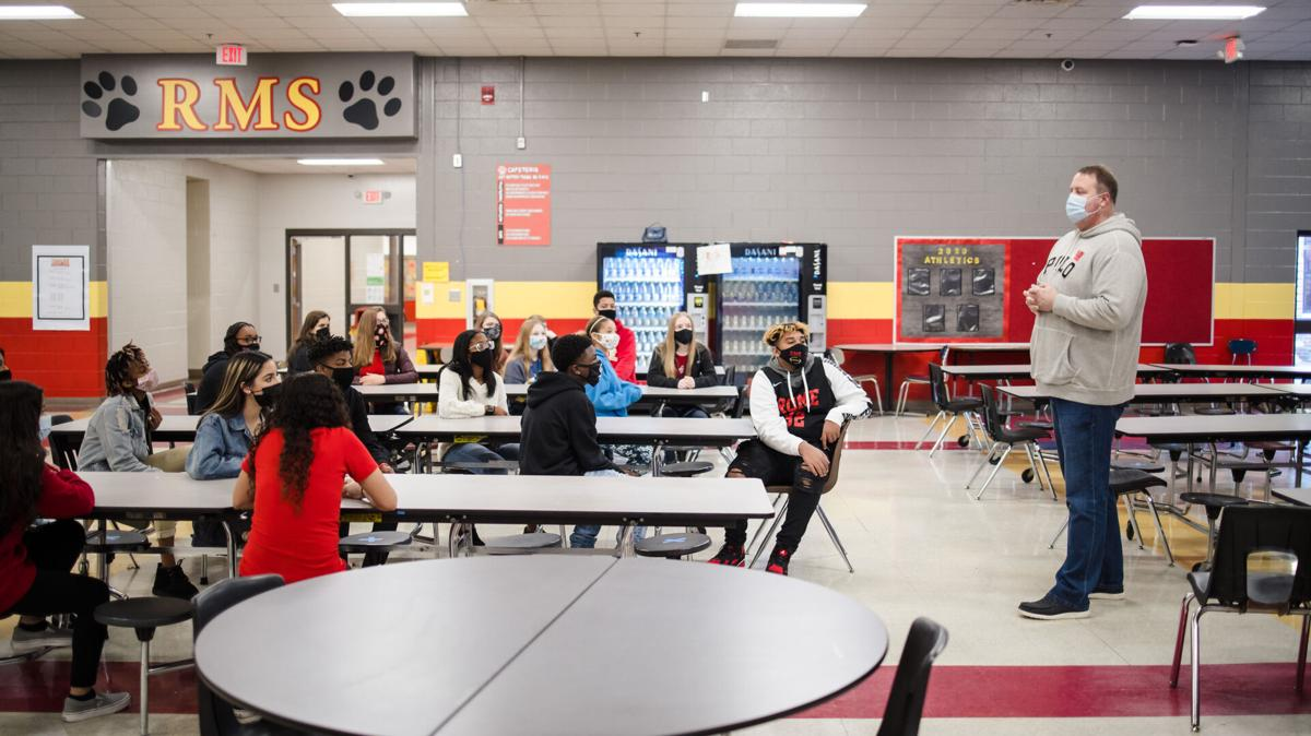Rome Middle students collect $400, food for community kitchen