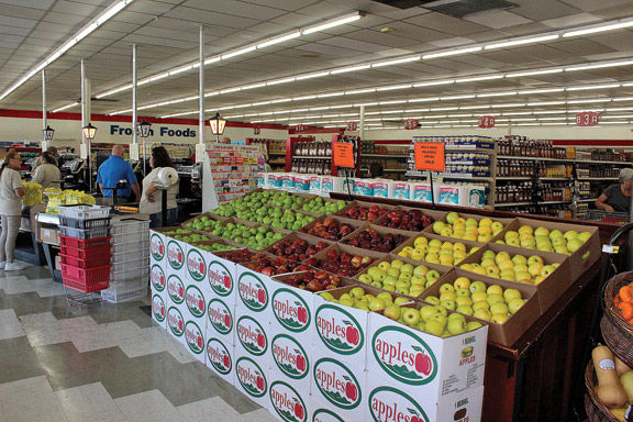 Grocery Outlet opens