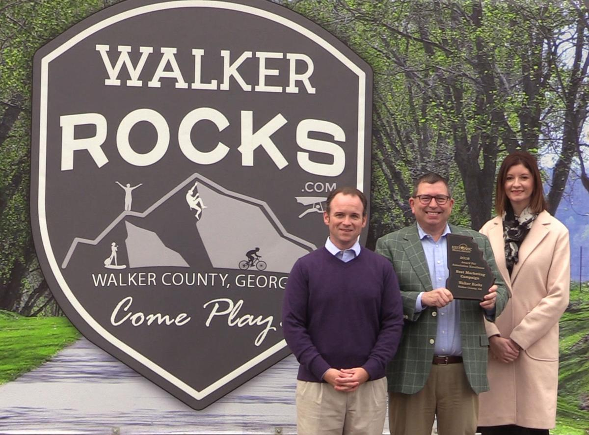 tourism ! Walker Rocks