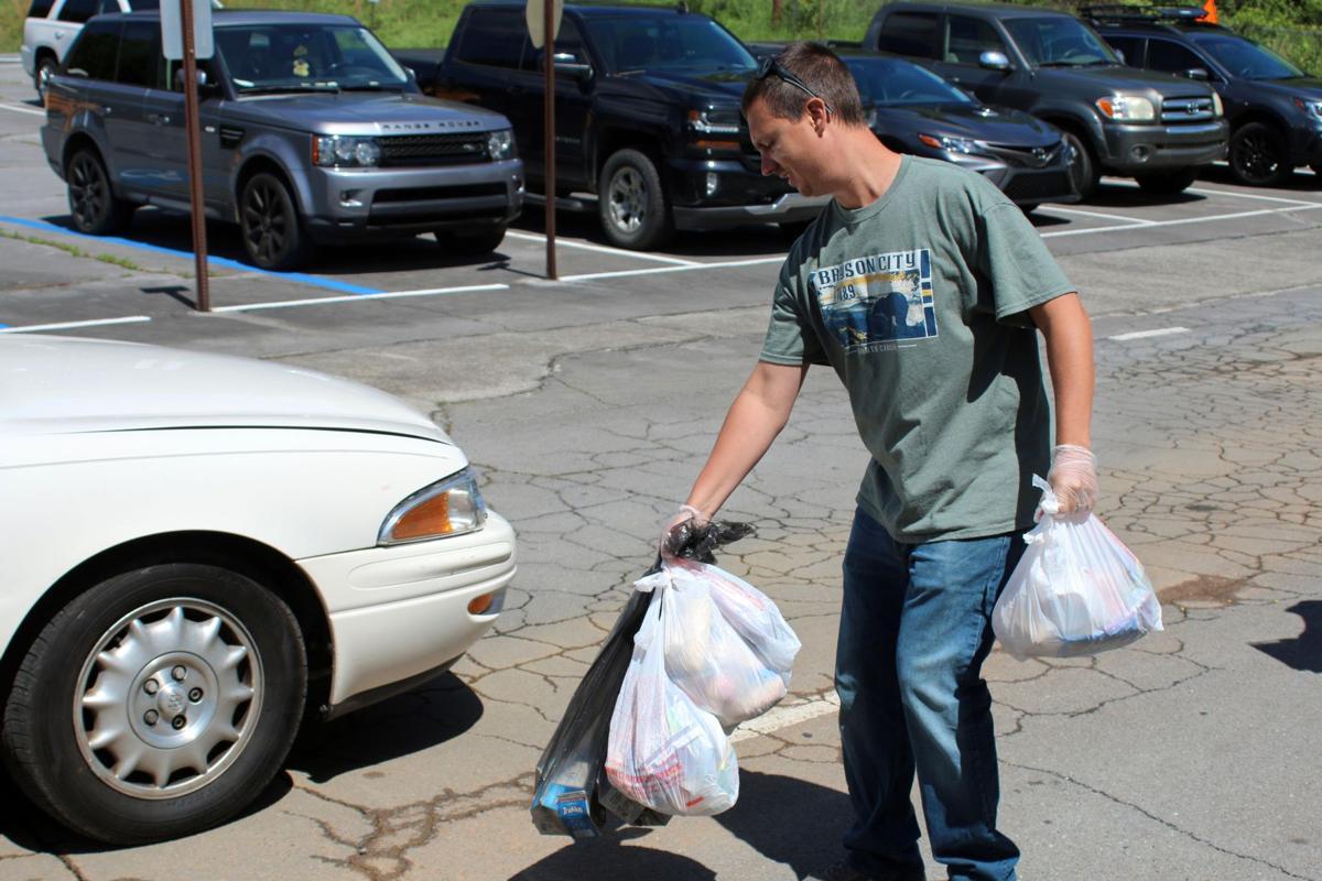 Floyd County Schools continue feeding program