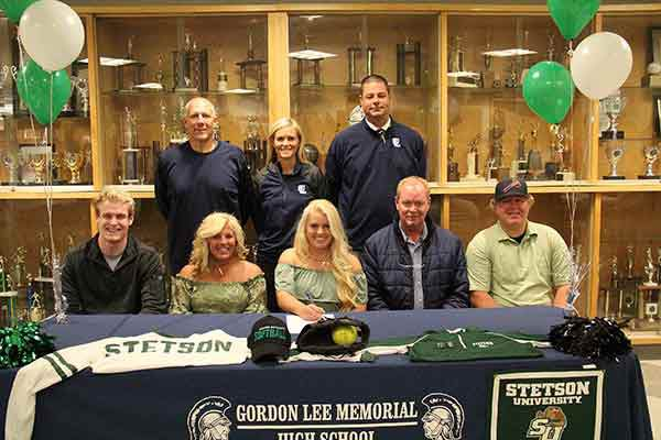 Sun and fun: Canaan Burnett signs with Stetson