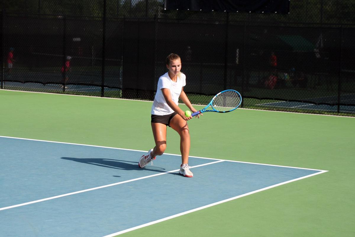 081119_RNT_Tennis2.jpg