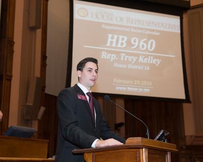 Kelley presents HB 960