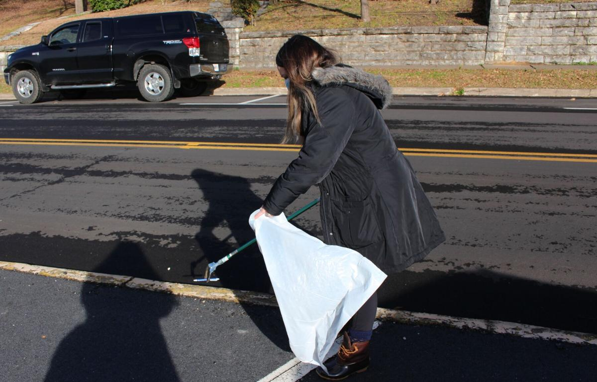 Volunteers pick up litter downtown in first quarterly cleanup