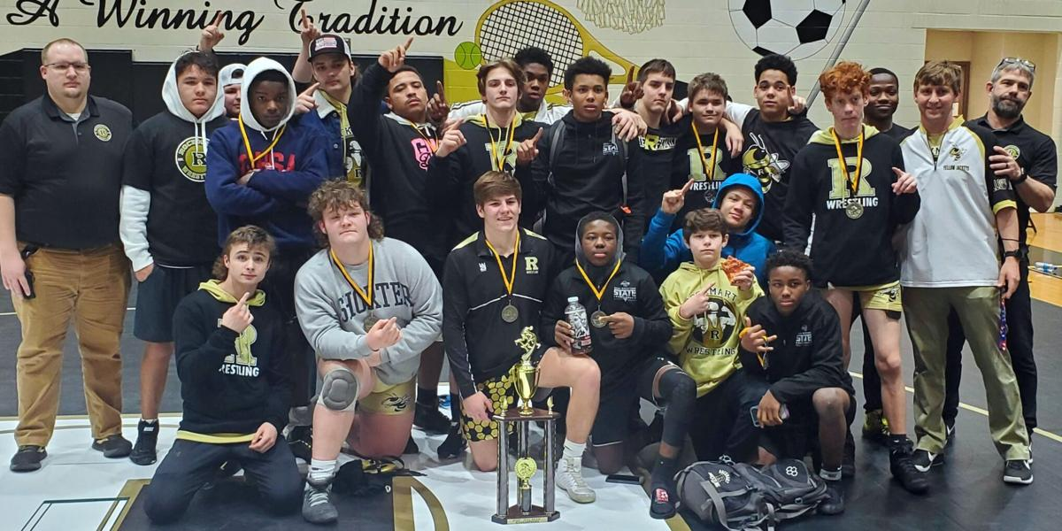 Jackets qualify 13 for state, win area traditional title