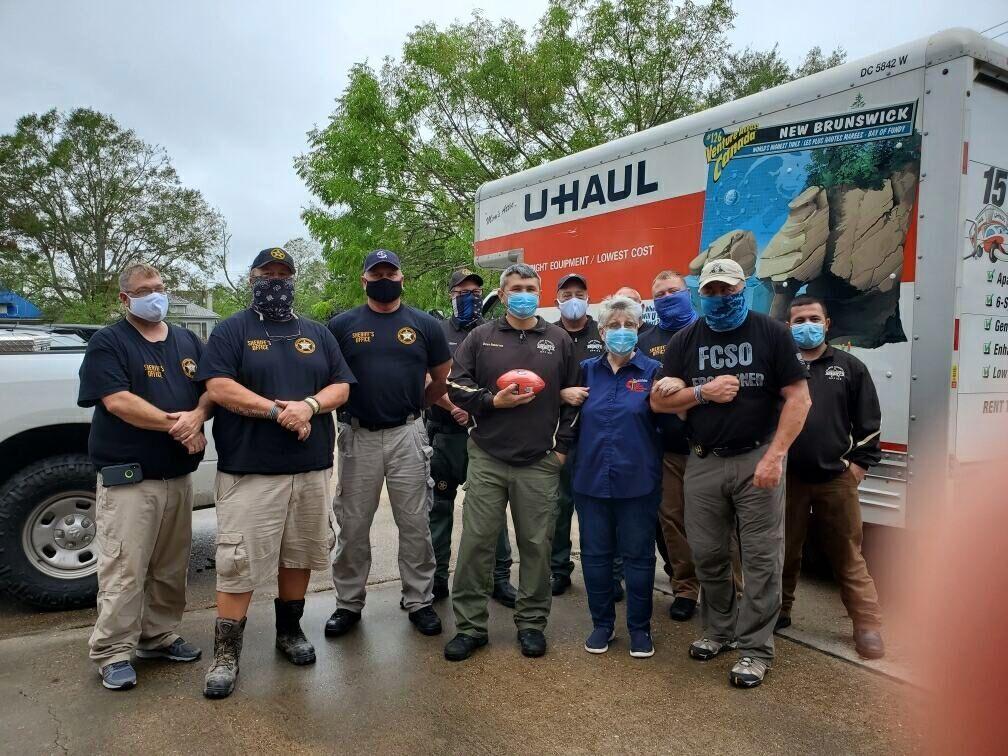 Floyd, Polk volunteers and sheriff's deputies help out in storm torn Louisiana