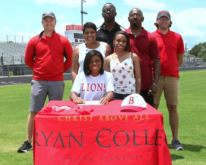 Faith Austin signs with Bryan College