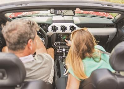 How to help seniors adapt to automotive tech