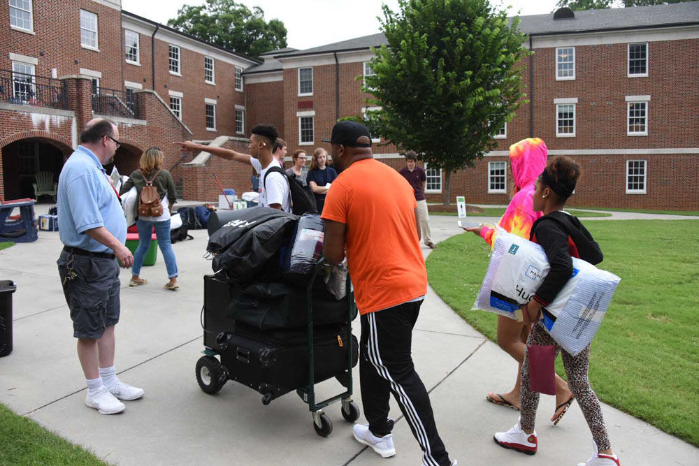 GHP students move in at Berry