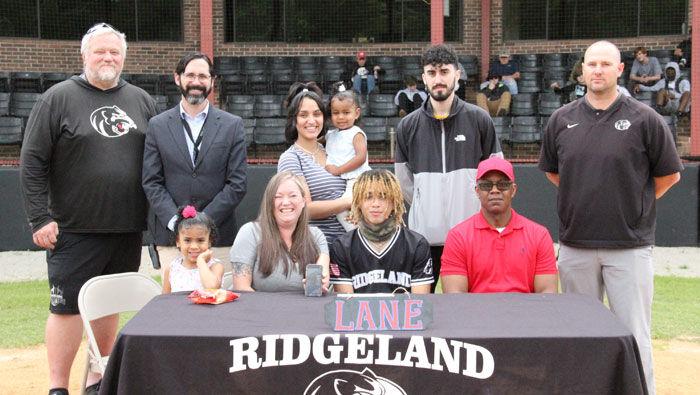 Jordan McLin signs with Lane College