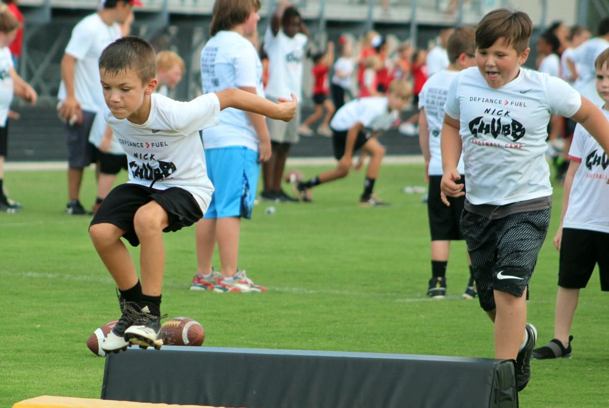 Nick Chubb reaches out to kids with his Hometown Football Camp