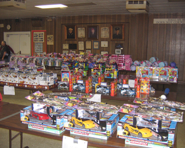 American Legion Brown-Wright Post 12 distributes toys