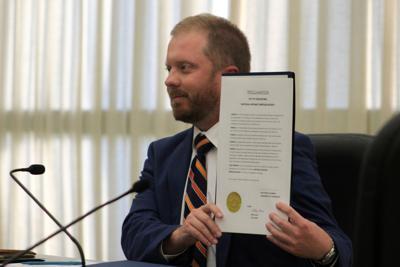 Cedartown City Commission recognizes Hispanic Heritage Month