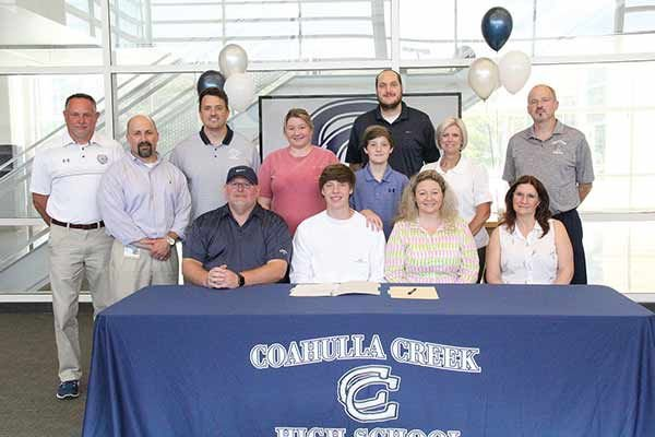Tyler Phillips signs with GNTC