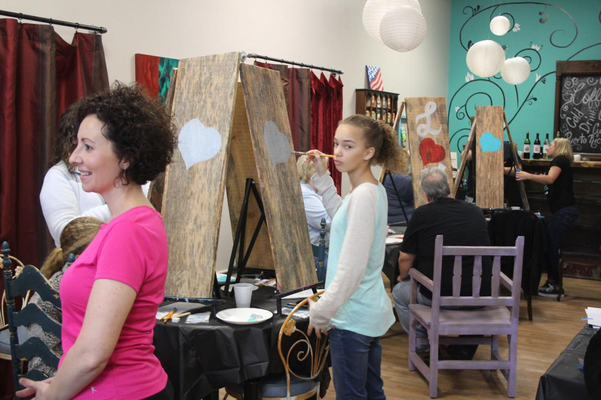 Craftsy House holds grand opening in Cedartown