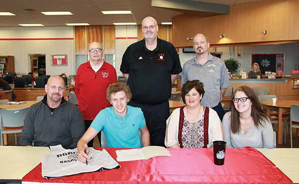 Tristen Bennett signs with GNTC