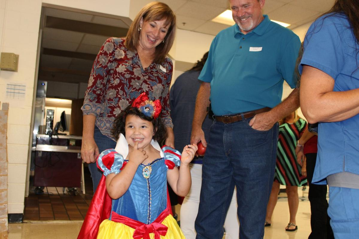 Glenwood students have a ball with grandparents