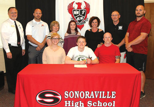 Sonoraville's Clark signs with Life University