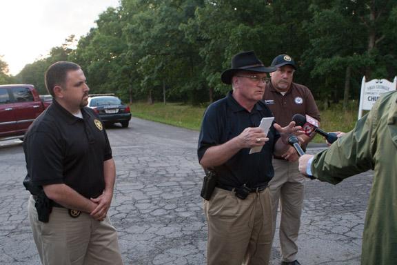 Walker County canine killed and deputy injured during arrest