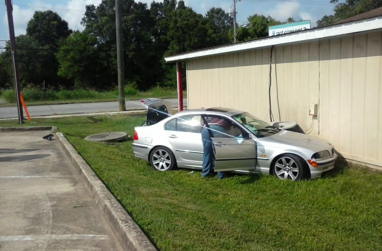 Polk County chase ends in wreck