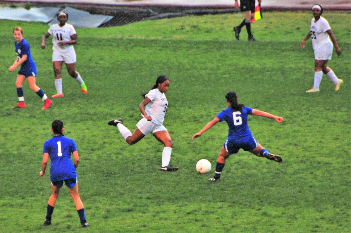 A Night of Firsts: Lady Warriors oust Therrell