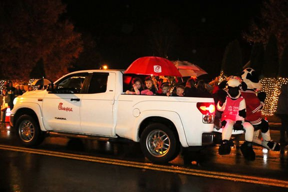 Fairmount rings in holiday season with annual Christmas parade