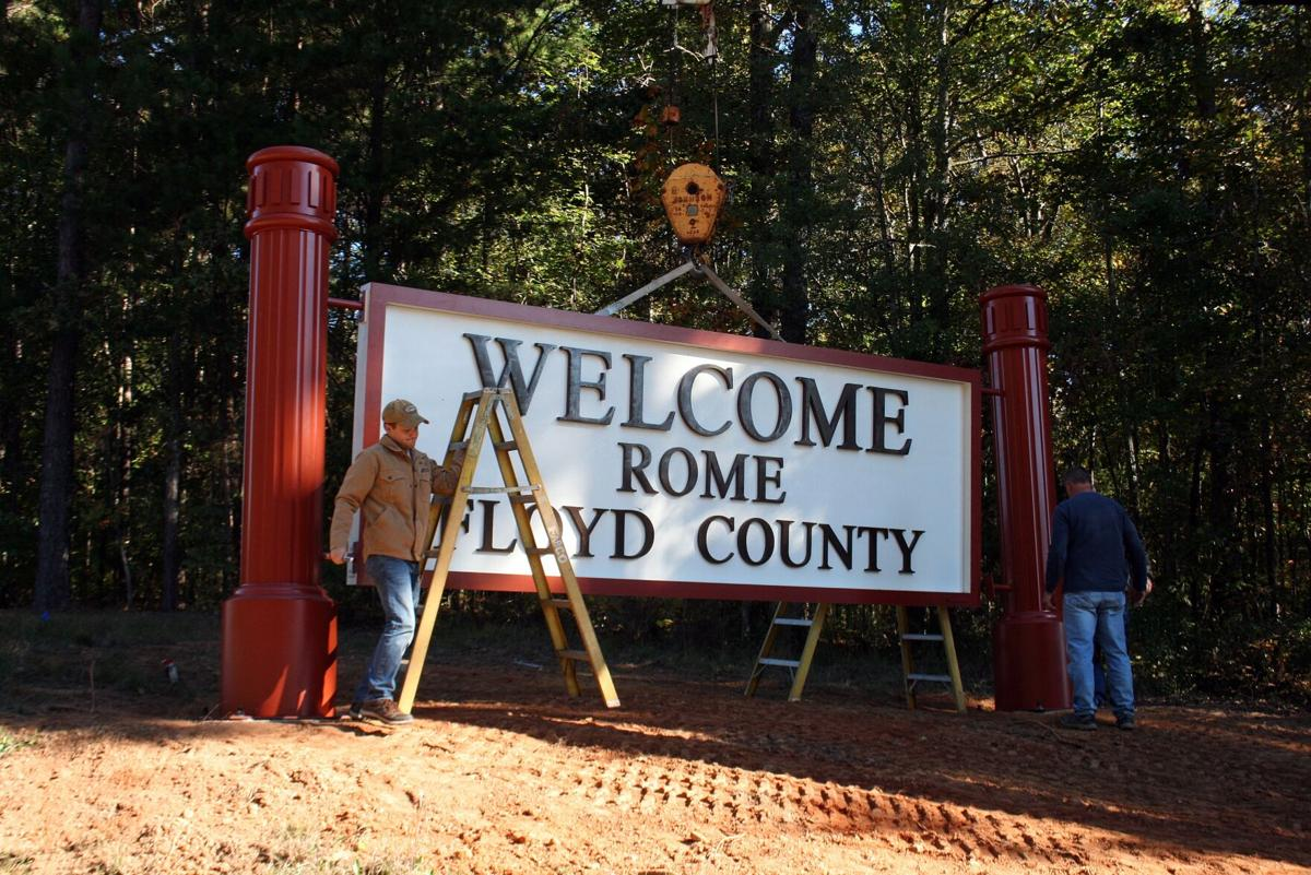 Rockmart Highway gets Welcome sign