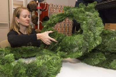 Decorate a wreath to support Cancer Navigators