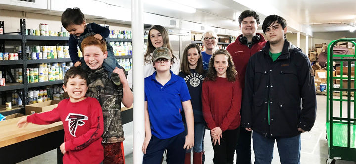 4-H Homeschool Club visits Voluntary Action Center