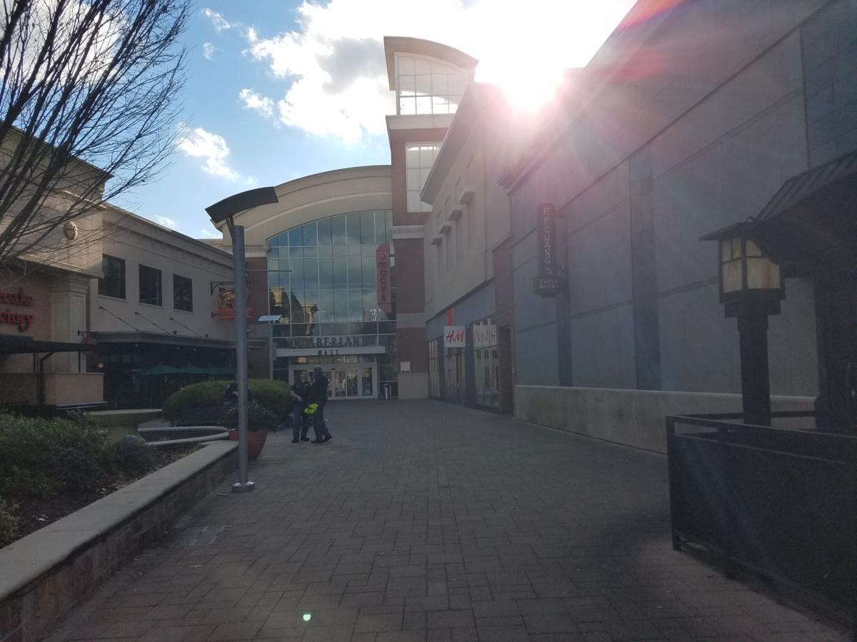 cumberland mall - photo #4
