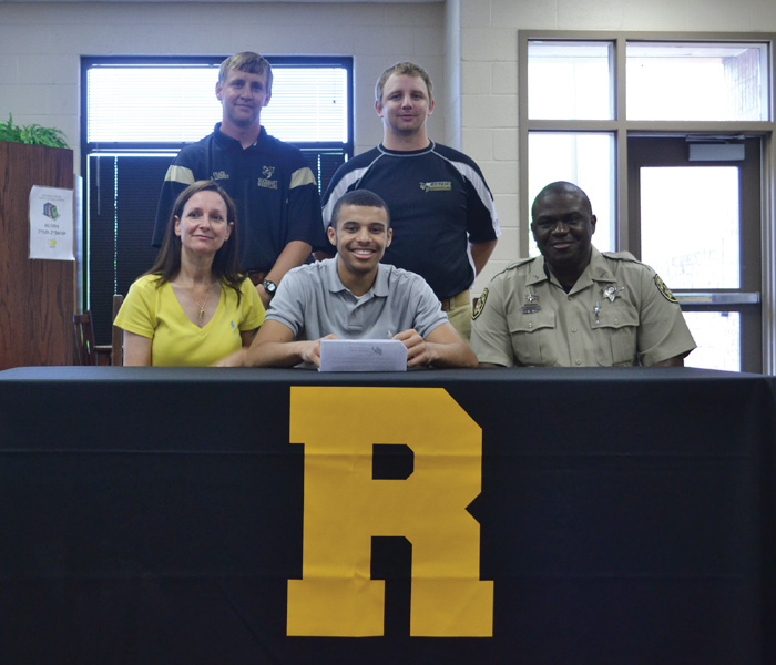 Goings inks with Cumberlands