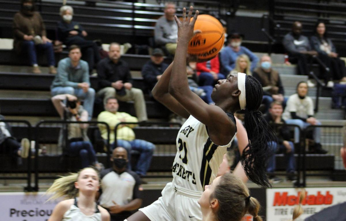 Lady Jackets get hot early on Senior Night to win fourth straight