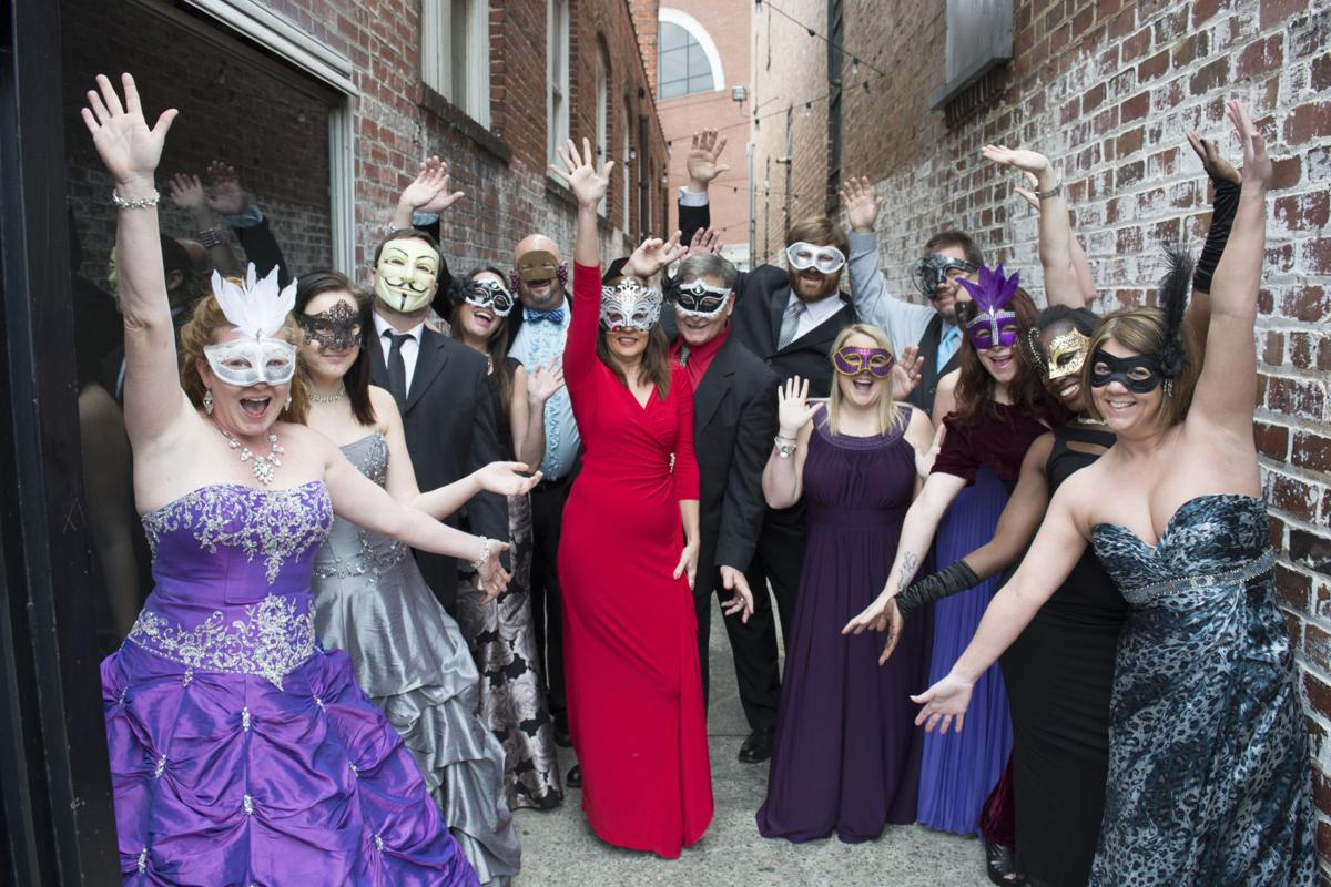 6b996d39b106 A Night to Remember: Masquerade themed adult prom gives Rome ...