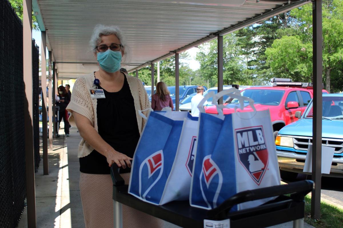 Braves feed staff of Redmond Regional Medical Center