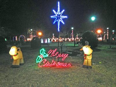 """Amazing Christmas"" Light Show in LaFayette"
