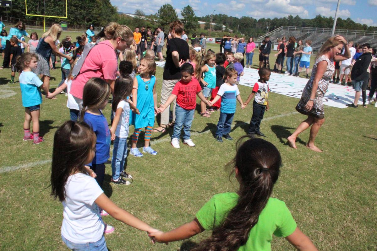 Coosa Seniors Garden Lakes Kindergartners Get Together For Elost Video Gallery