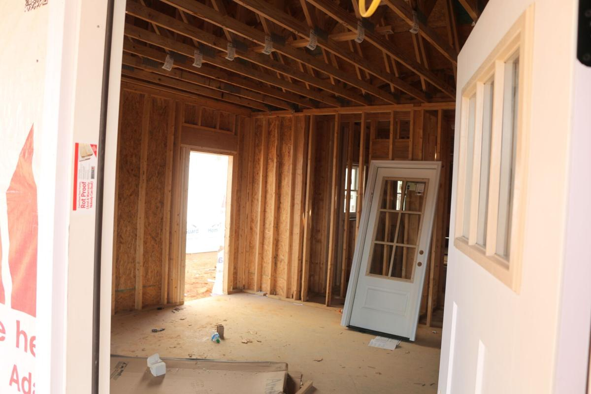 Construction continues in complex near Summerville Park