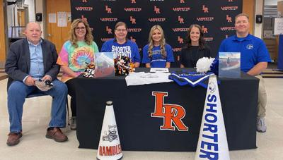 Carly Smith signs with Shorter