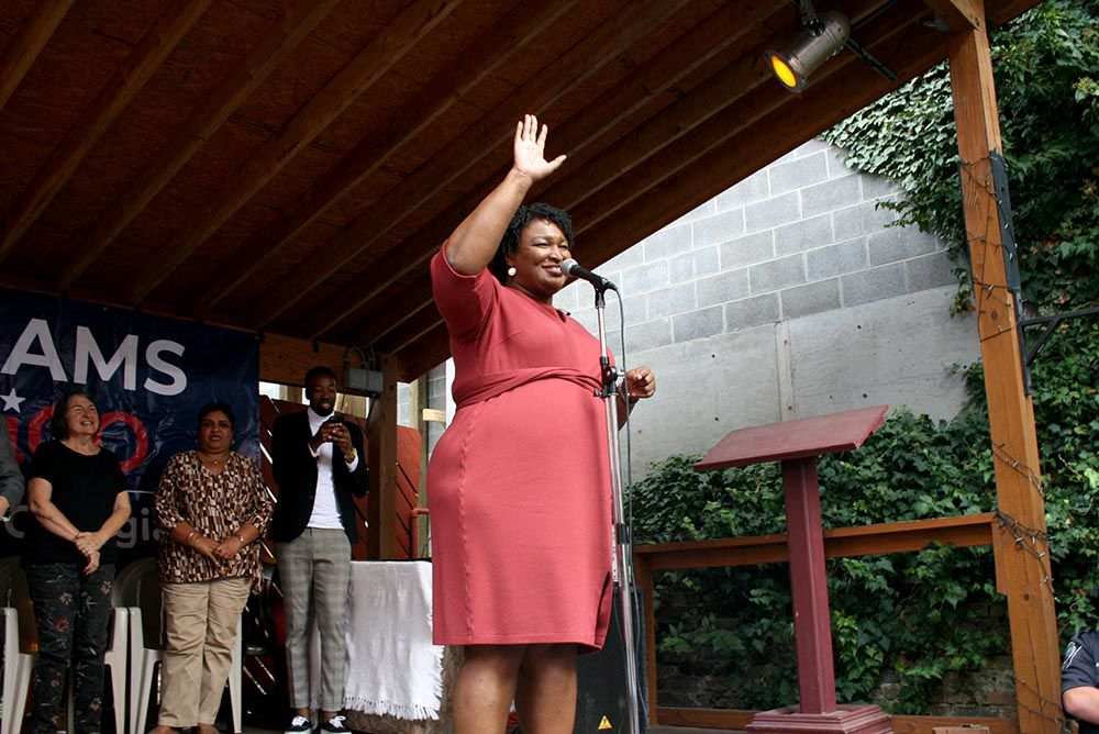 Democratic gubernatorial candidate Abrams makes tour stop in downtown Rome