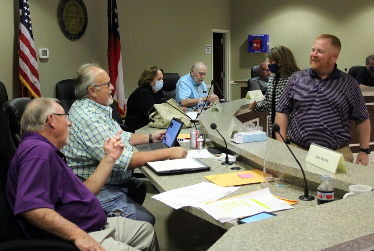 County commission hears report on landfill from new manager