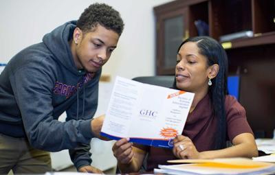 GHC program coordinator receives leadership award