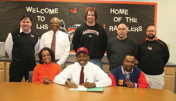 FOOTBALL: Barron Taylor signs with Maryville College